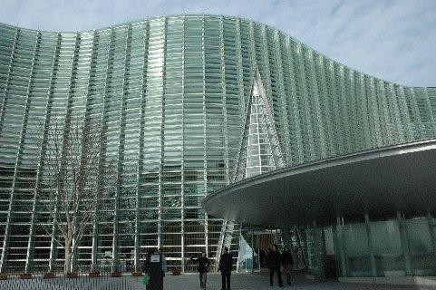国立新美術館・外部1