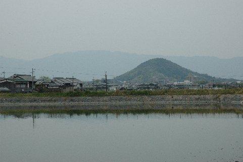 高所寺池から見た畝傍山