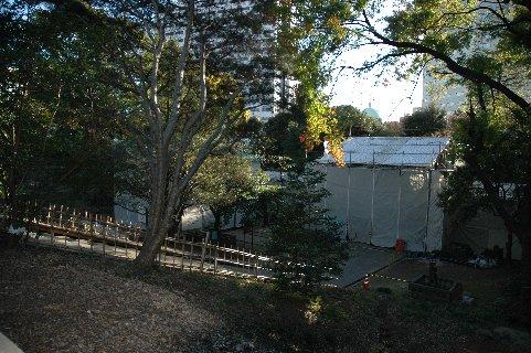 工事中の入徳門