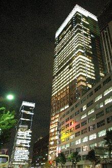 八重洲側から観たツインタワー