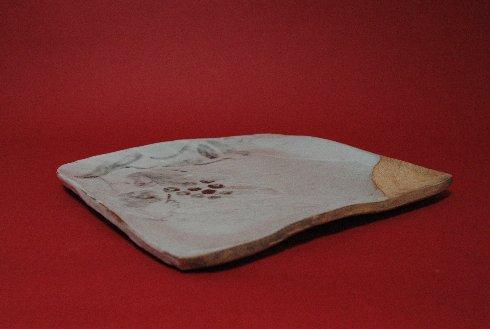 織部焼と称する志野焼の四方皿