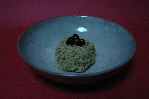 盛り付け1 米色青磁鉢