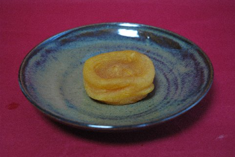 あんぽ柿 on 飴釉皿
