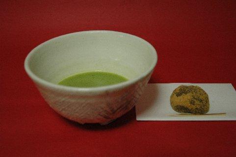 金海茶碗もどき・猫掻き手とわらび餅