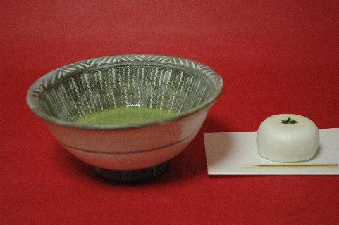 三島茶碗もどきと鶴屋吉信