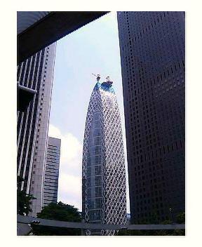 新築中のビル?