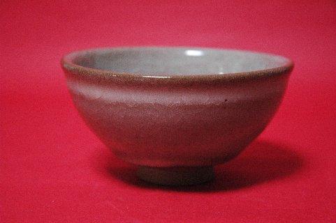 米色青瓷茶碗