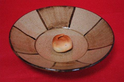 とりどり(裸)on鉄絵皿