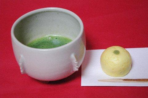 李朝白磁鉢形割高台茶碗写し