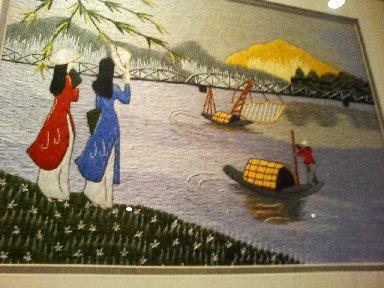室内の刺繍画