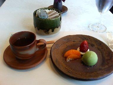 水菓と季節のフルーツ、紅茶