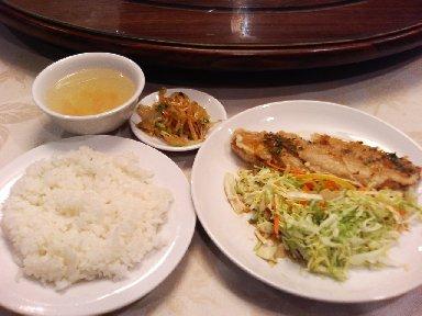 油淋鮮魚(舌平目の四川ソースかけ)