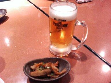 まずは、ビールで乾杯