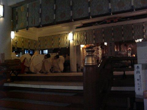 社殿での儀式