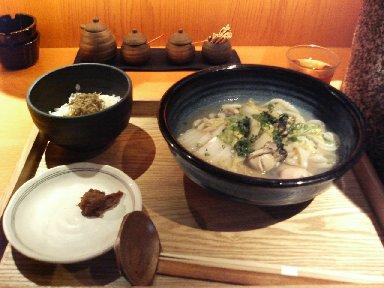 広島産かきうどん特製味噌添え