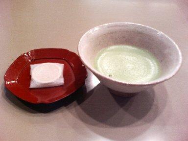 食後の干菓子と抹茶