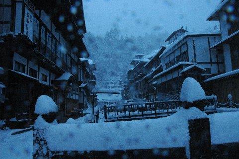 雪の銀山温泉1
