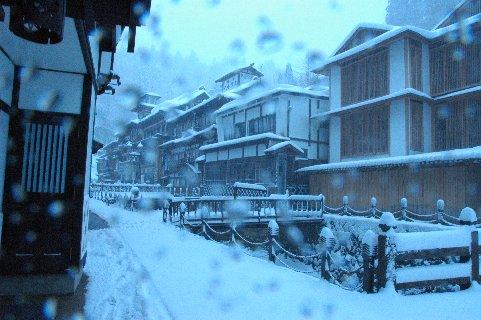 雪の銀山温泉3