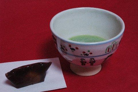 赤膚焼木白奈良絵茶碗写し
