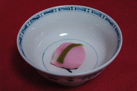 撫子 in  安南染付梅花文茶碗写し