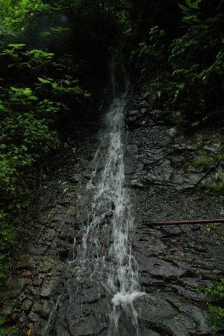 小沢又の滝(人工滝?)