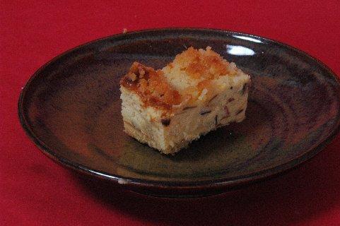 プレミアムチーズケーキ on 飴釉皿