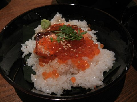焼鮭といくらの飯