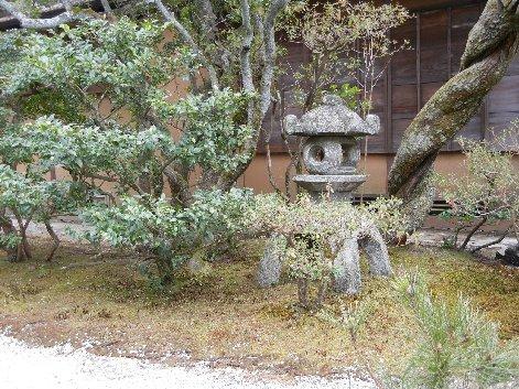 山寺型燈籠