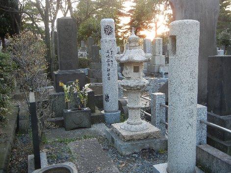 尾崎紅葉の墓