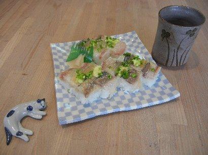 鯵鮨 on 練り込め皿