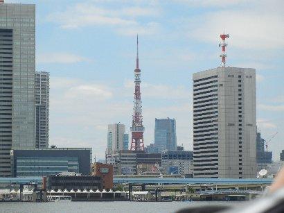 築地市場向うの東京タワー