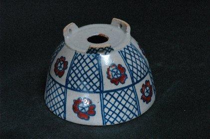 色絵桜文丸鉢 鉢裏