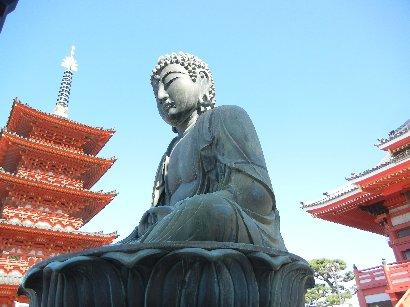 大仏と五重塔・本堂