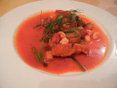 魚料理 カサゴと小柱、野菜入りトマト煮込み