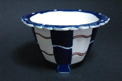 瑠璃釉外縁竹文猫足丸鉢写し