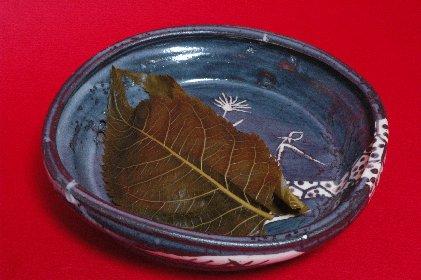 長命寺桜餅 on 鼠志野四方鉢