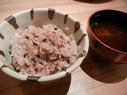 五穀米と汁物