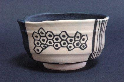 黒織部茶碗風・植木鉢A正面