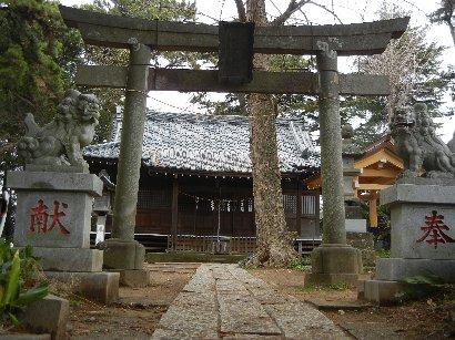 茂呂神社・拝殿前の鳥居