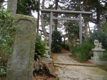 茂呂神社・裏口