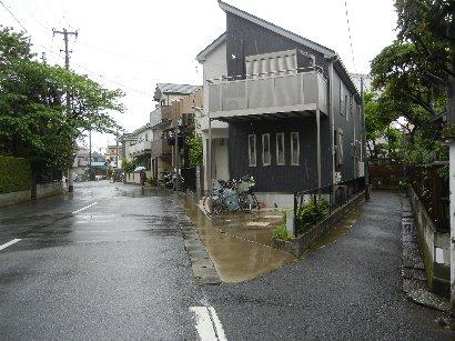教信寺裏の二股、右内匠堀跡・左江川(澪)跡