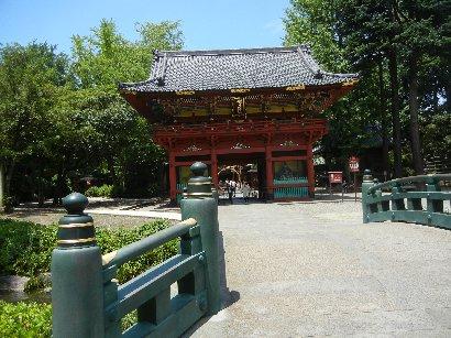 神橋と楼門