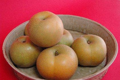 自家用梨onビードロ釉ドラ鉢