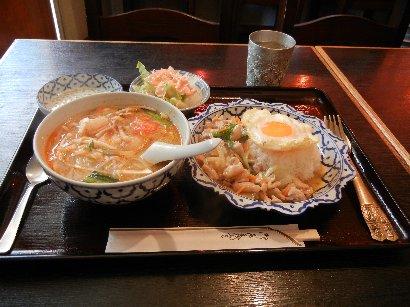 鶏バジル炒め&トムヤムクンミニラーメン