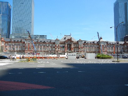 復元中の赤煉瓦駅舎