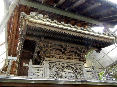 本殿・裏側と彫り物