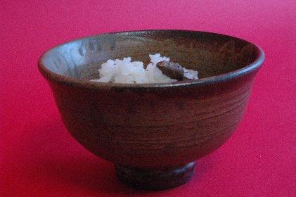 むかごご飯in伊羅保茶碗