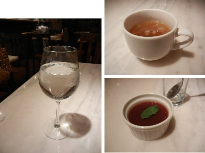 水・スープ・プチデザート