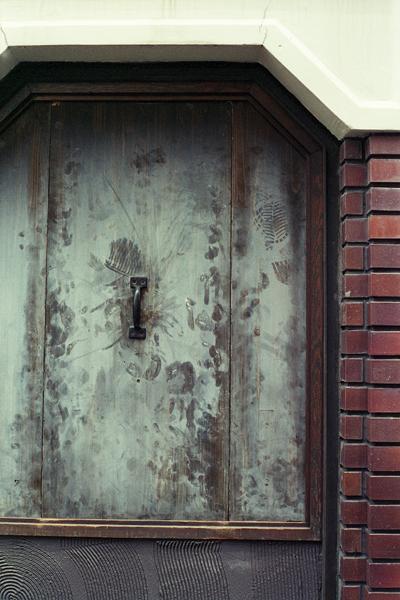03・扉は手で開けましょう