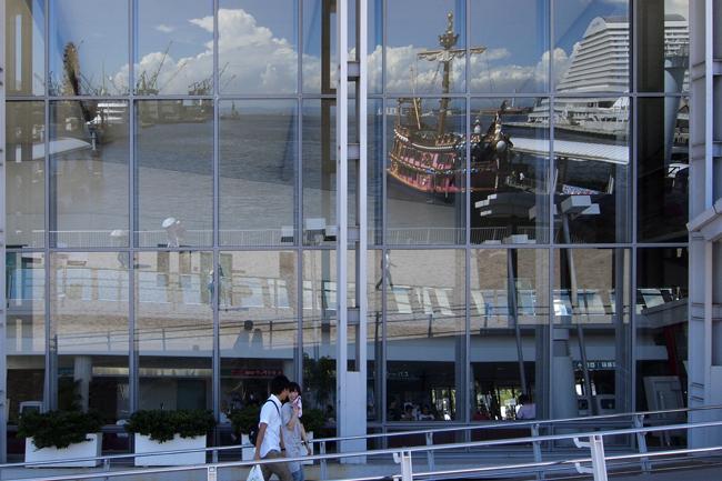 07・港の見える建物